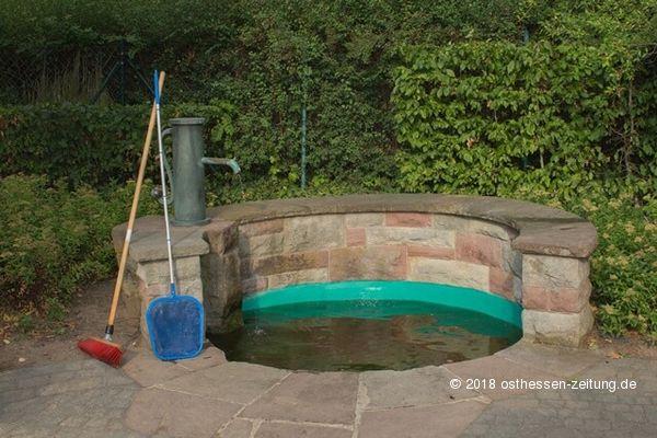 Brunnenreinigung Und Cool Water Challenge Der Brunnenzeche Fotos