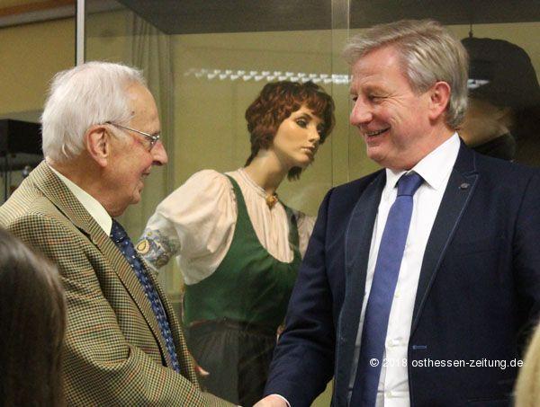 Adolf Penzel Als Leiter Des Eichenzeller Heimatmuseums Verabschiedet