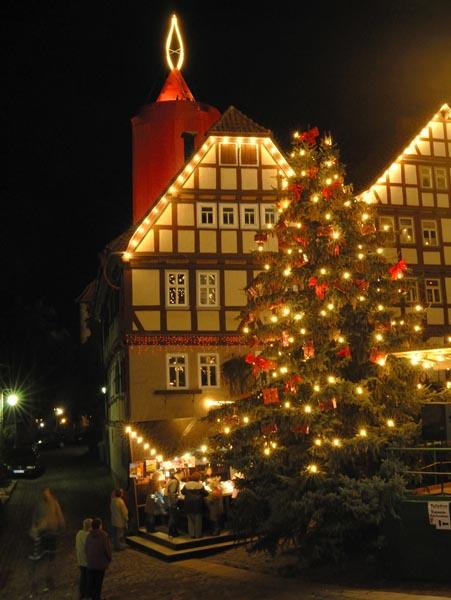 Wo Ist Der Größte Weihnachtsmarkt.Weihnachtsmarkt Schlitz Größte Kerze Der Welt Und Buntes Programm
