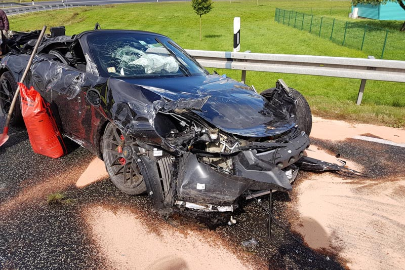 Aktuell Porsche Verunfallt Auf A5 Uber 170 000 Euro Schaden